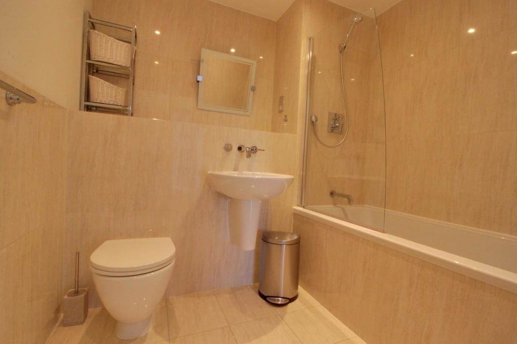 Image 8/9 of property Edgbaston Crescent, Edgbaston, B5 7RJ