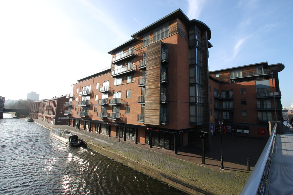 Image 1/7 of property Waterfront Walk, Birmingham, B1 1SY