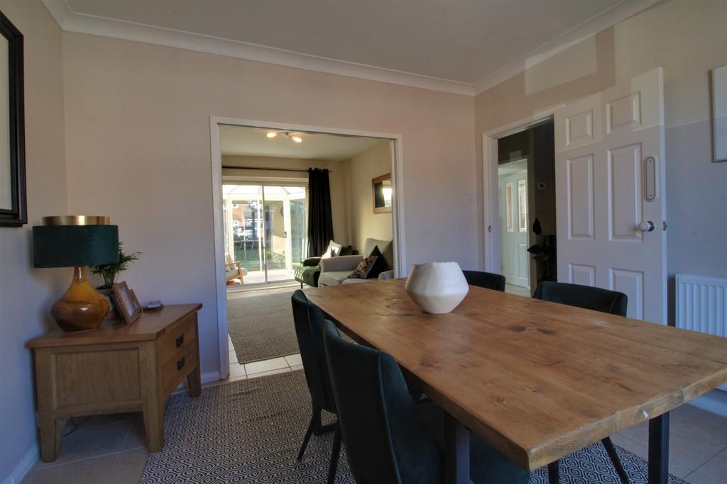 Image 9/11 of property Charlecote Croft, Shirley, Solihull, B90 4DP