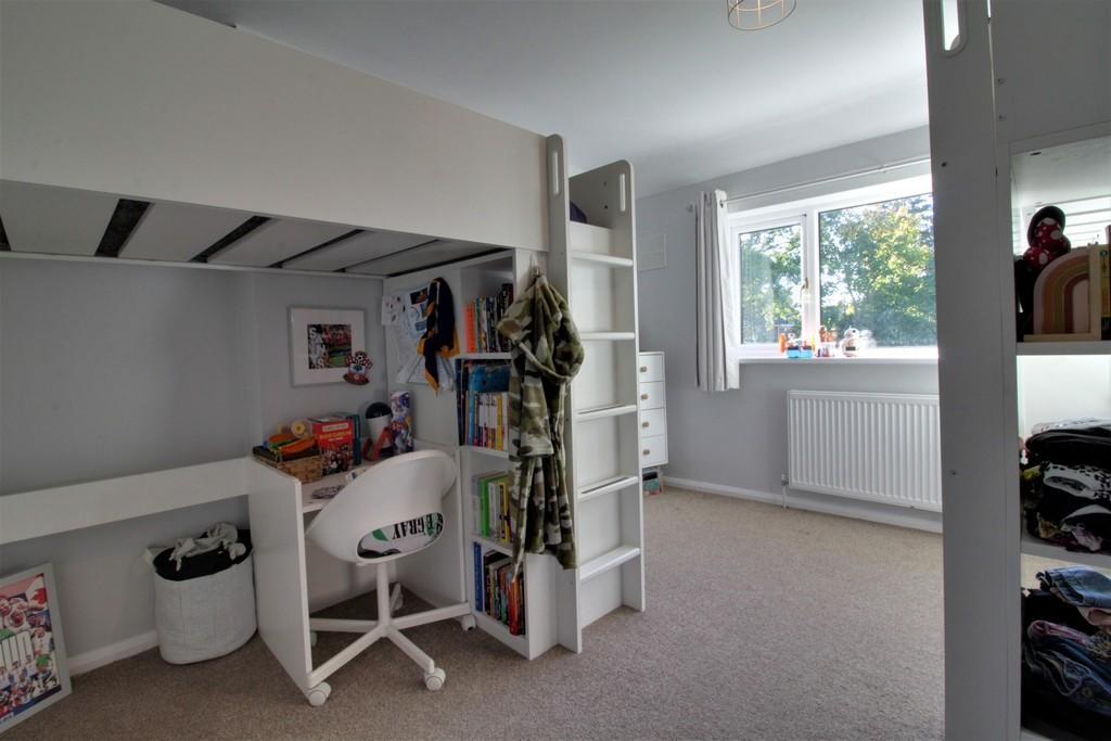 Image 3/11 of property Charlecote Croft, Shirley, Solihull, B90 4DP
