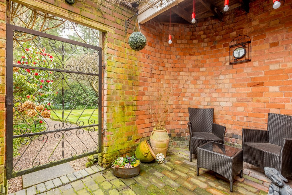 Image 16/19 of property Rotton Park Road, Edgbaston, B16 9JH