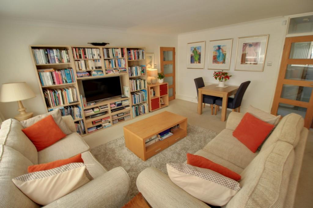Image 9/11 of property Woodbourne Apartments, Edgbaston, B15 3PH