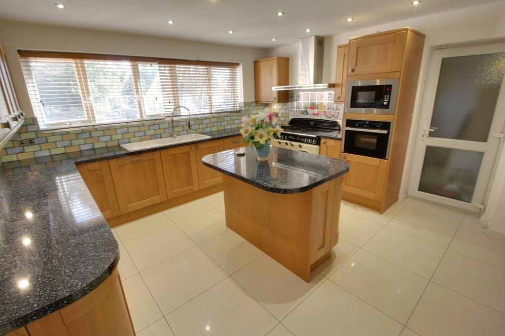 Image 4/13 of property Gillhurst Road, Harborne, B17 8PH