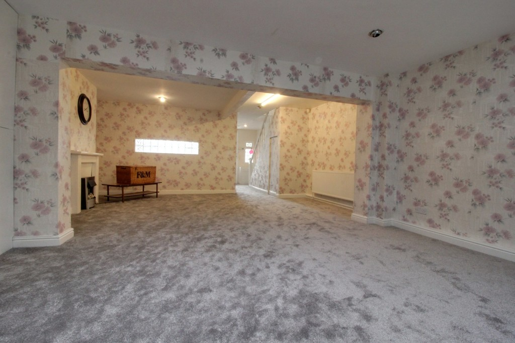 Image 3/14 of property Willow Avenue, Birmingham, B17 8HH