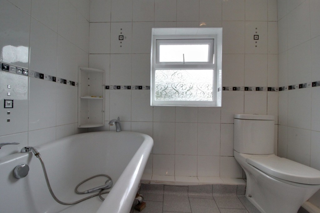 Image 10/14 of property Willow Avenue, Birmingham, B17 8HH