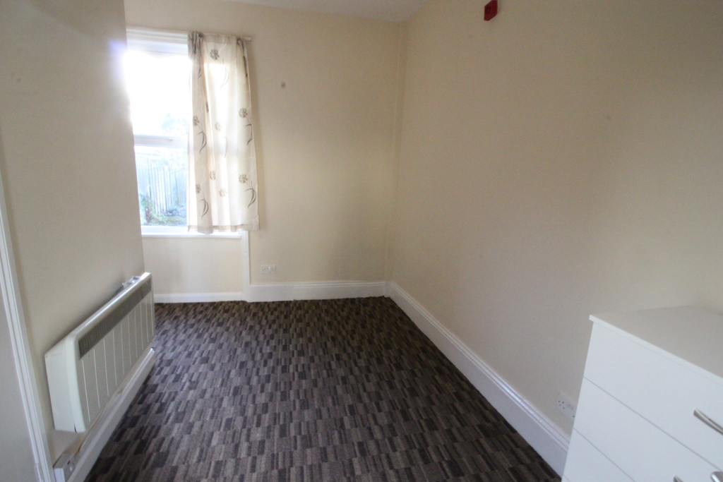 Image 2/4 of property 113 Summerfield Crescent, Birmingham, B16 0EN