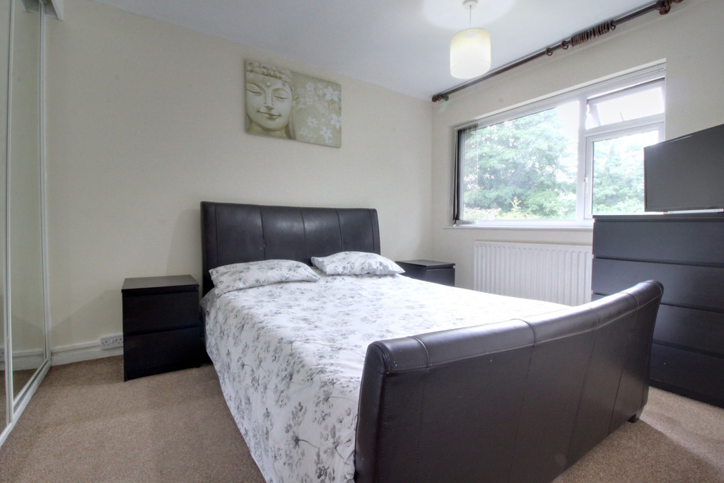 Image 4/14 of property Gilchrist Drive, Edgbaston, B15 3NG