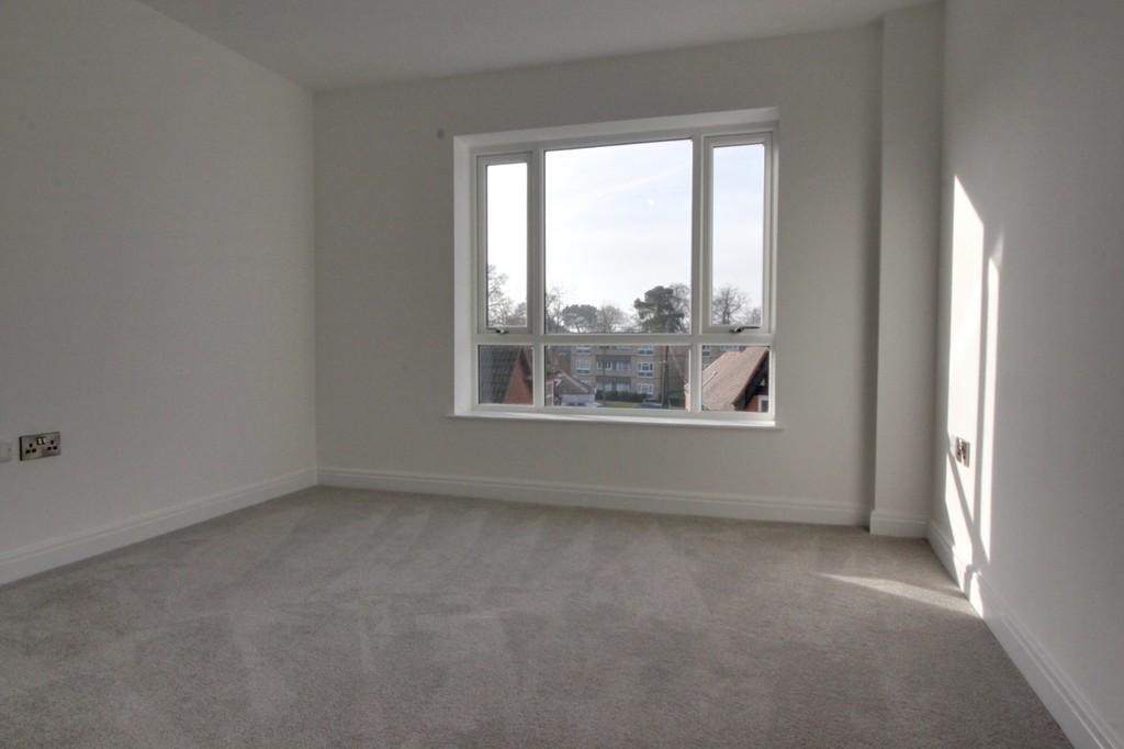 Image 6/9 of property 356 High Street, Harborne, B17 9PU