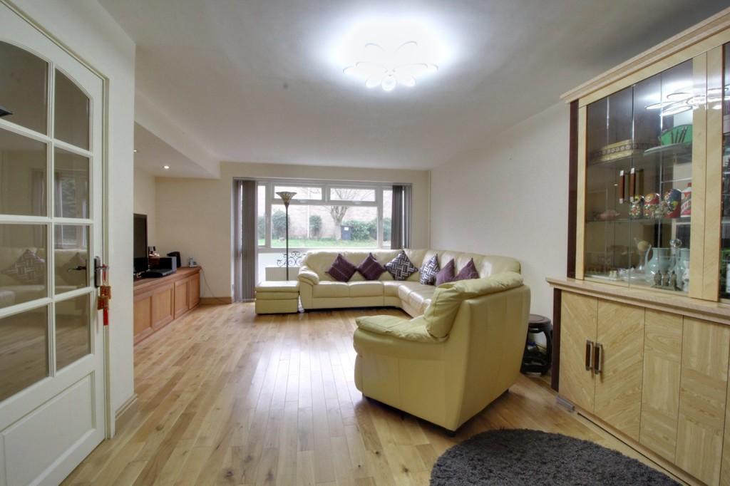 Image 11/13 of property Bishbury Close, Edgbaston, B15 3NU