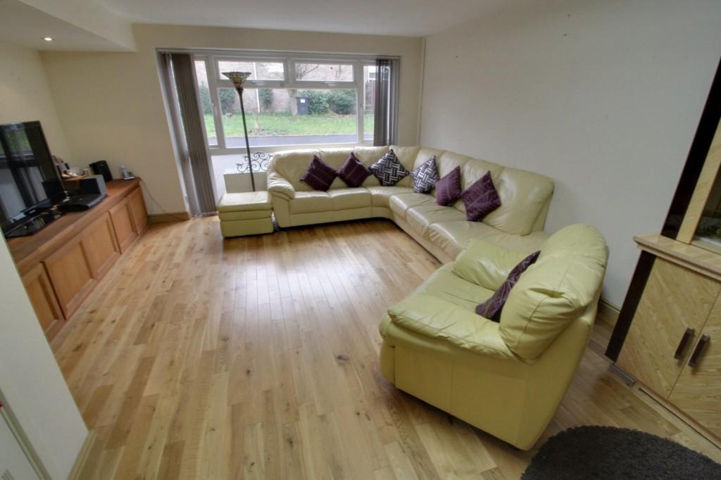 Image 3/13 of property Bishbury Close, Edgbaston, B15 3NU