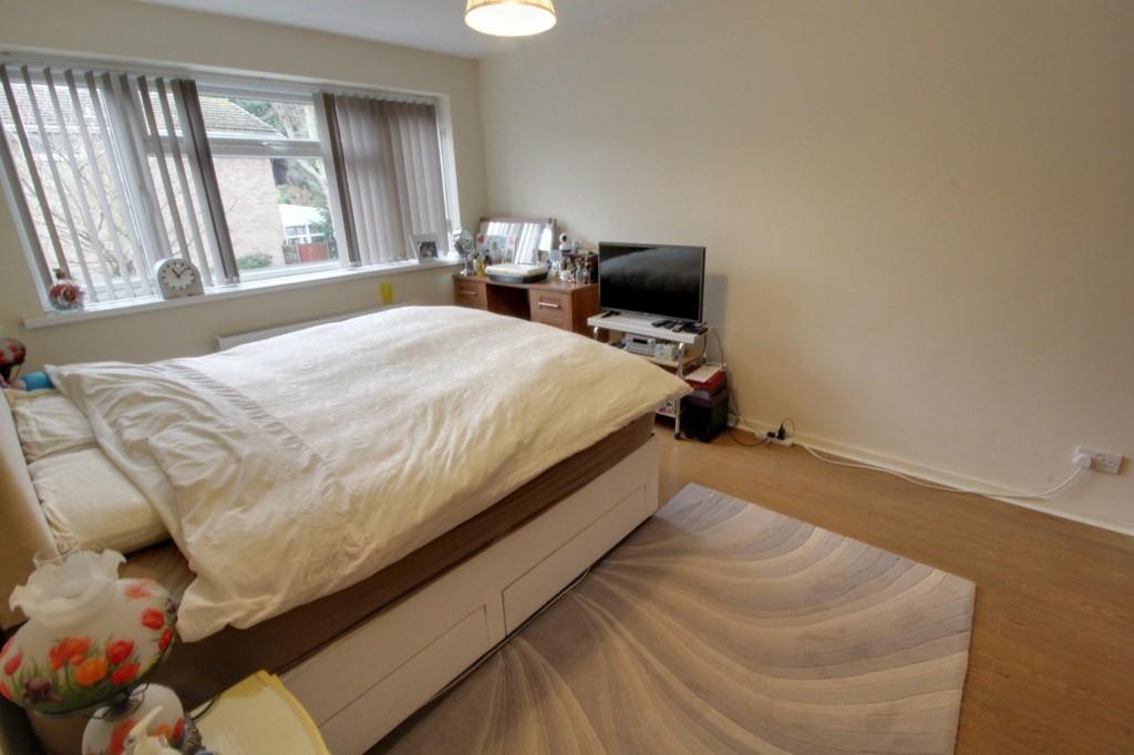 Image 6/13 of property Bishbury Close, Edgbaston, B15 3NU