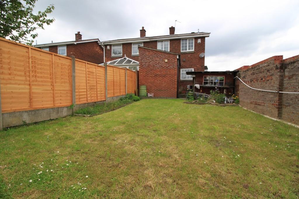 Image 11/13 of property Dunnigan Road, Birmingham, B32 3XJ