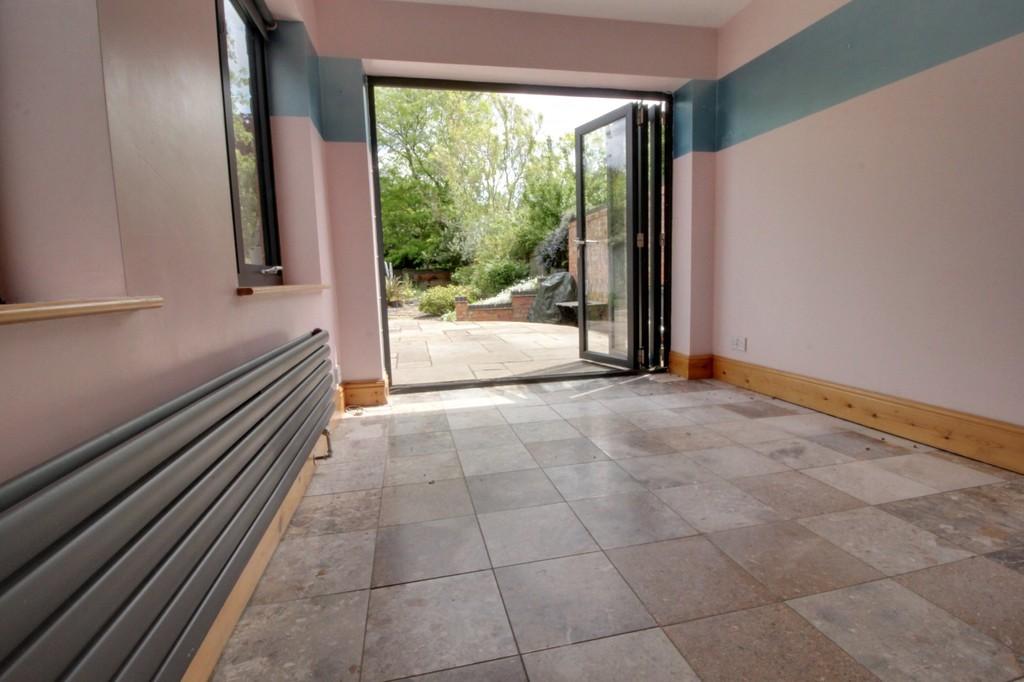 Image 8/18 of property Wheeleys Road, Edgbaston, B15 2LN
