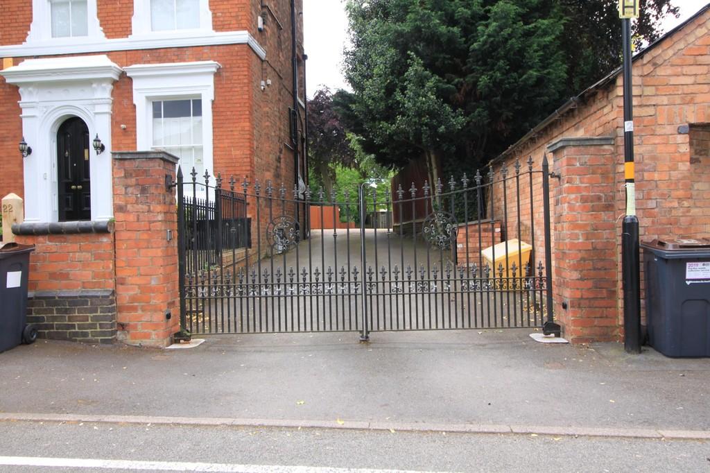 Image 6/18 of property Wheeleys Road, Edgbaston, B15 2LN