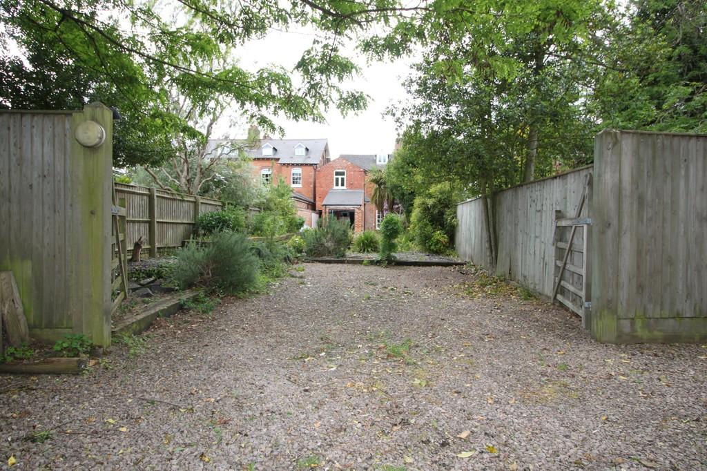 Image 5/18 of property Wheeleys Road, Edgbaston, B15 2LN