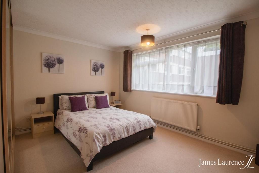 Image 6/12 of property Niall Close, Edgbaston, B15 3LX
