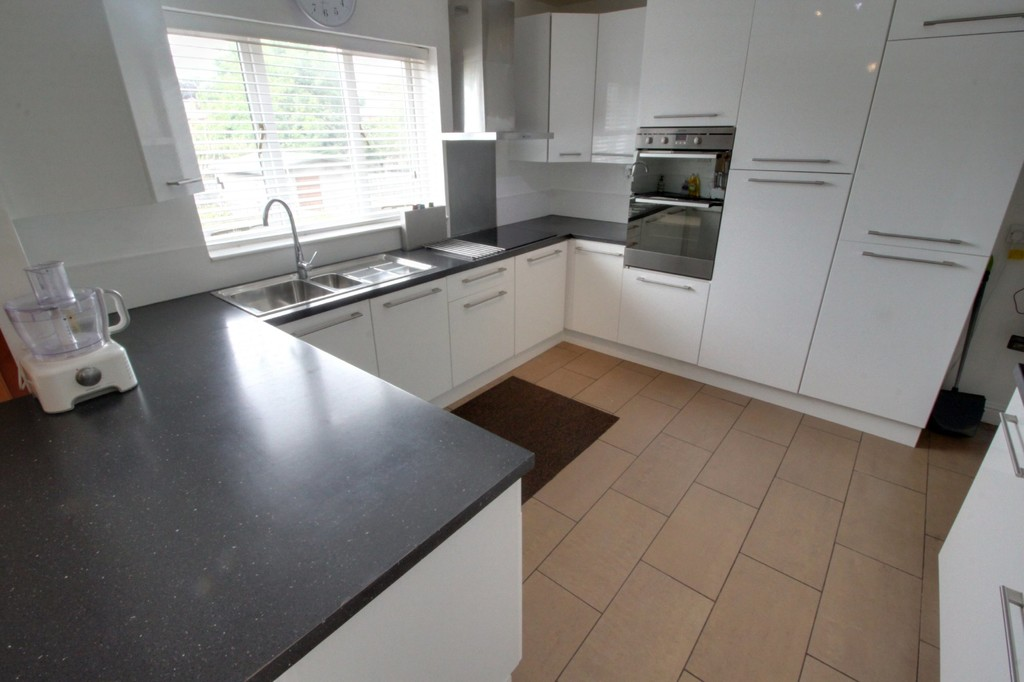 Image 2/21 of property Vicarage Road, Harborne, B17 0SR
