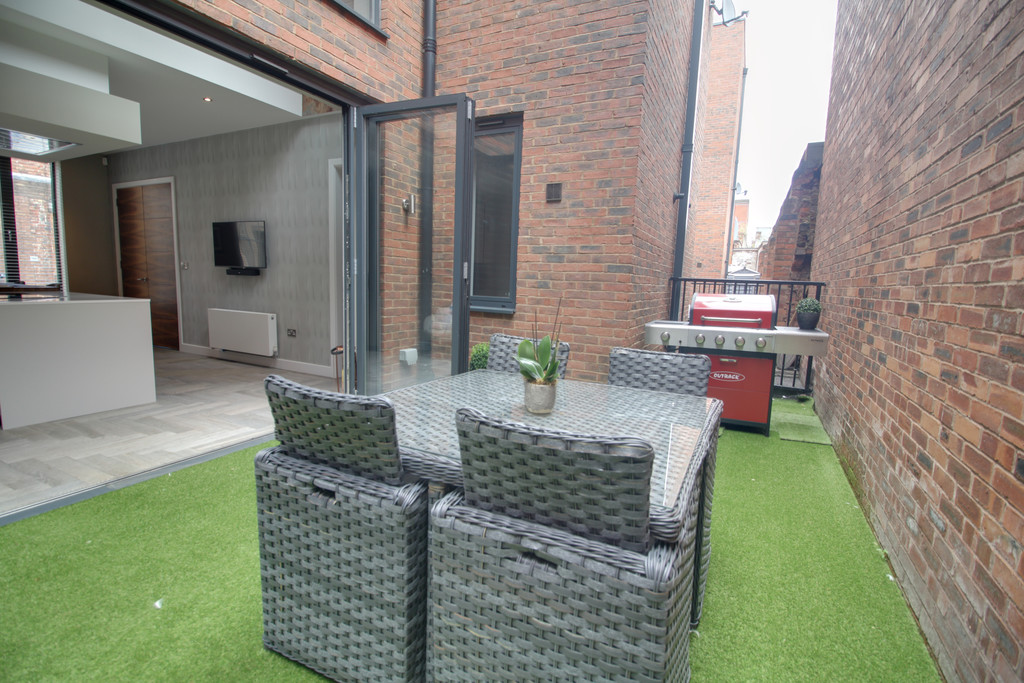 Image 5/12 of property St Pauls Court, St Pauls Square, Birmingham, B3 1RB