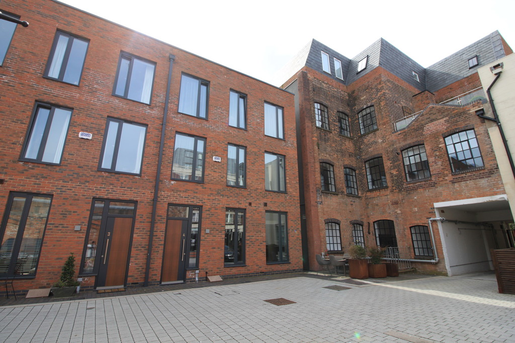 Image 1/12 of property St Pauls Court, St Pauls Square, Birmingham, B3 1RB