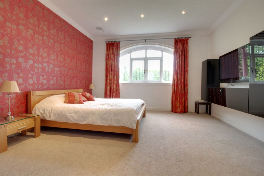 Image 10/25 of property Meadow Road, Edgbaston, B17 8DH