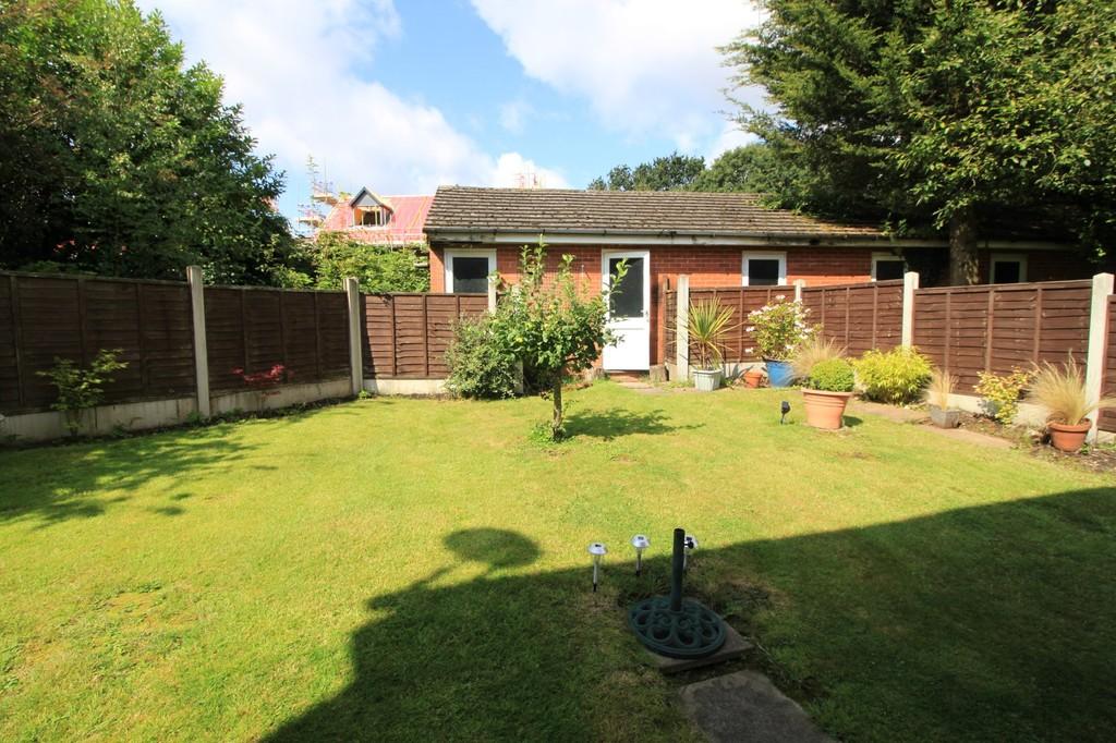 Image 9/10 of property Fredas Grove, Harborne, B17 0SY