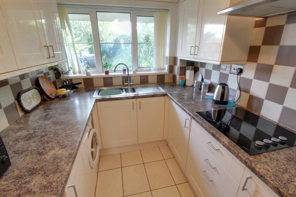 Image 3/10 of property Fredas Grove, Harborne, B17 0SY