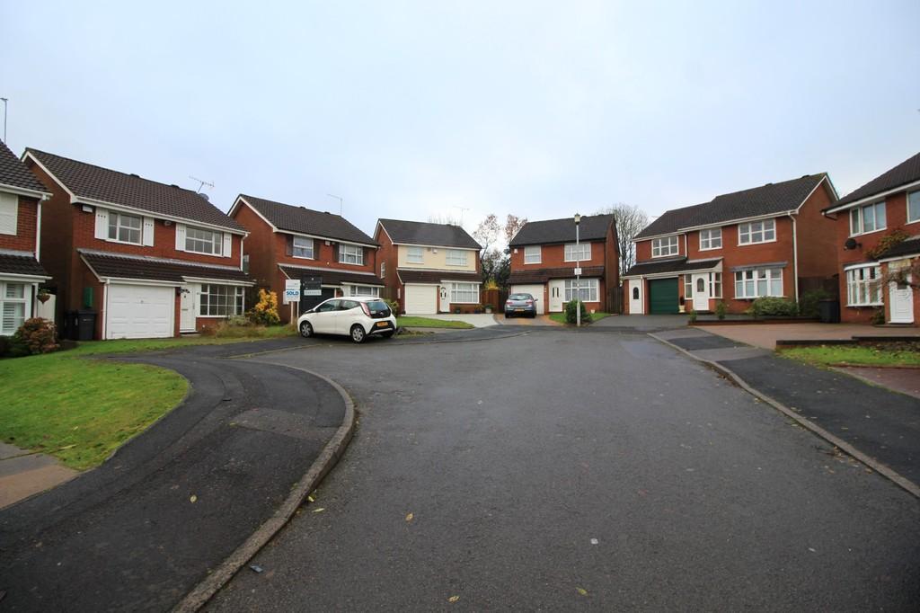 Image 12/12 of property Thurloe Crescent, Rednal, Birmingham, B45 9YN