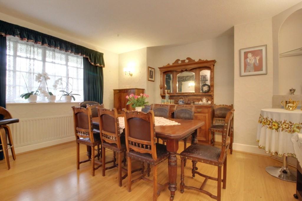 Image 10/15 of property Viceroy Close, Edgbaston, B5 7UR
