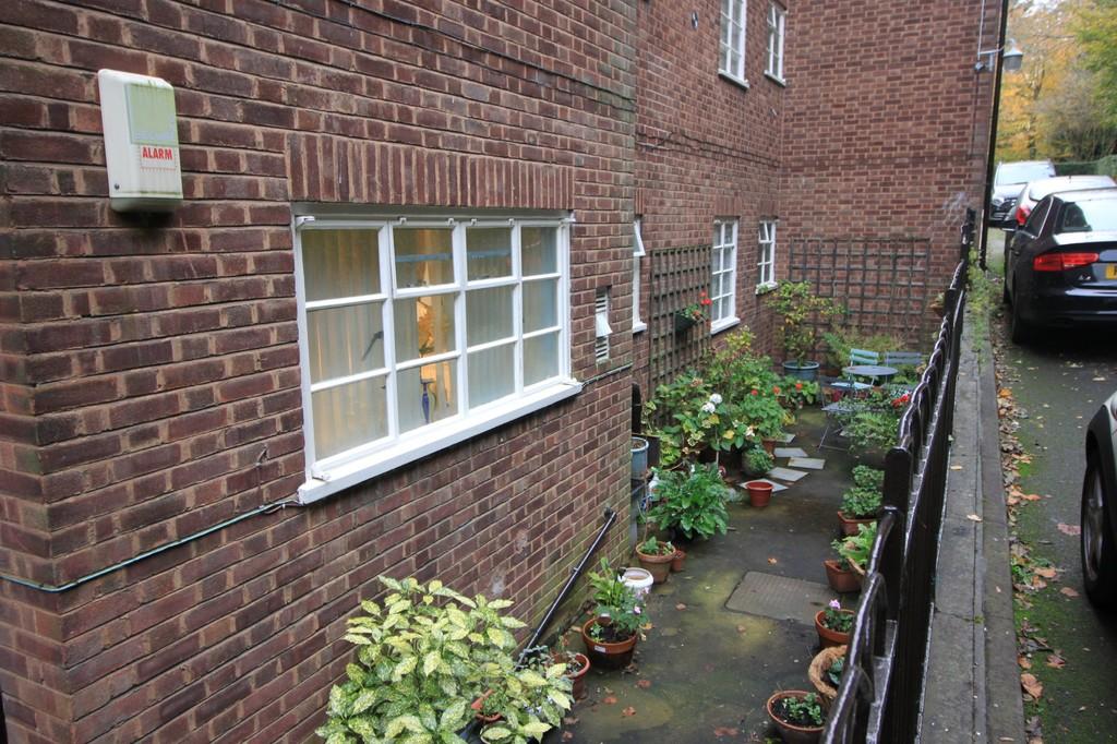 Image 15/15 of property Viceroy Close, Edgbaston, B5 7UR