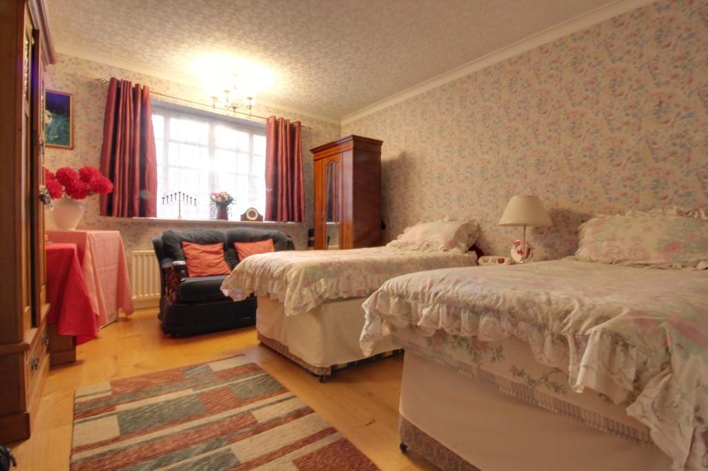 Image 8/15 of property Viceroy Close, Edgbaston, B5 7UR