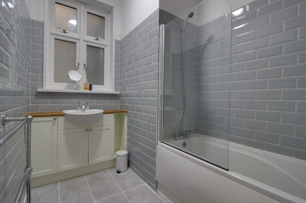 Image 4/9 of property Kenilworth Court Hagley Road