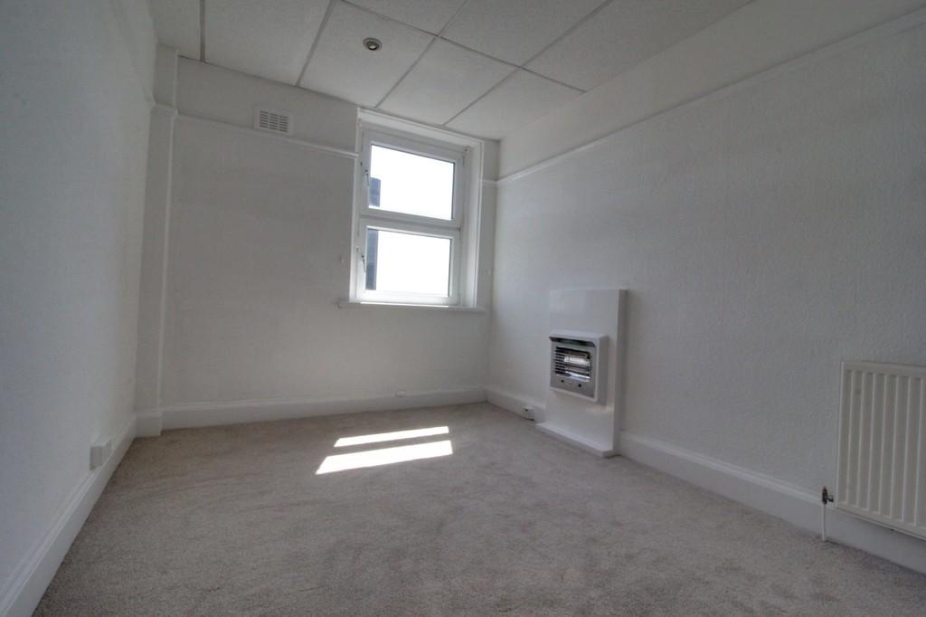 Image 4/10 of property Calthorpe Road, Edgbaston, B15 1QP