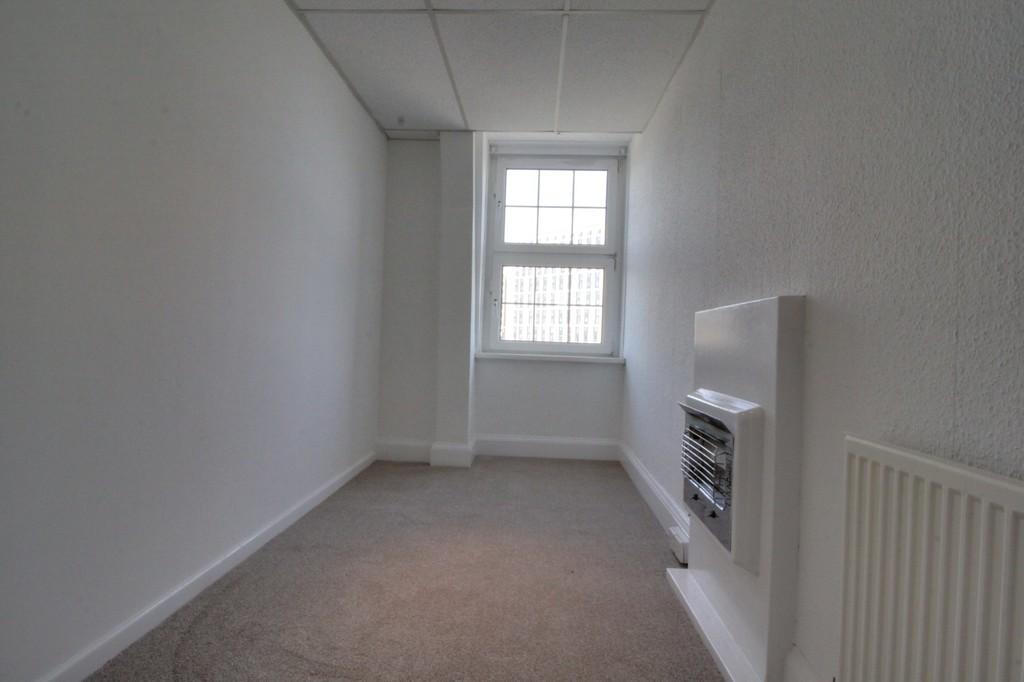 Image 6/10 of property Calthorpe Road, Edgbaston, B15 1QP