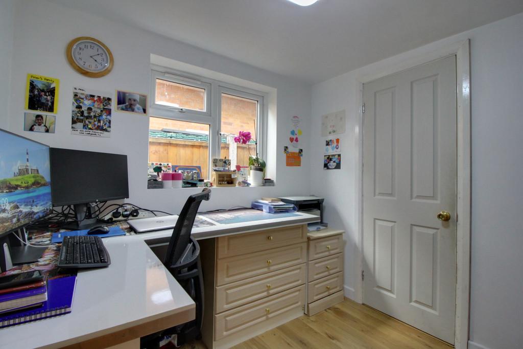 Image 11/13 of property Chancellors Close, Edgbaston, B15 3UL