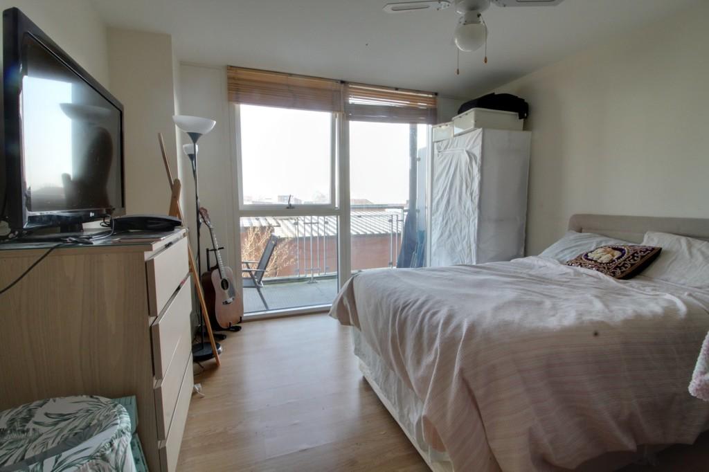 Image 5/8 of property Mason Way, Park Central , Birmingham City Centre, B15 2EE