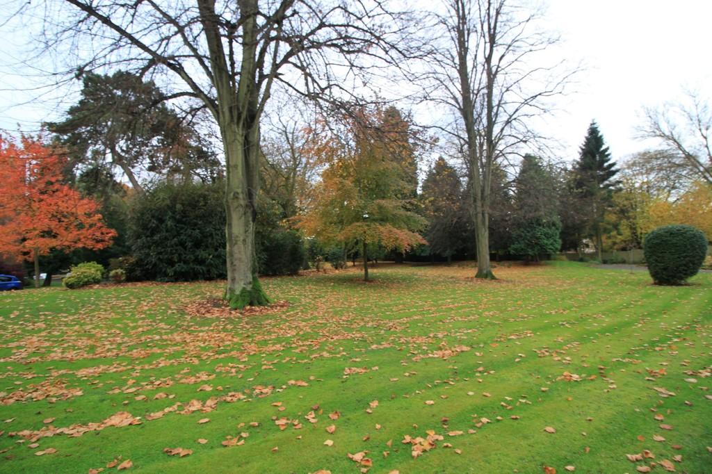 Image 14/15 of property Viceroy Close, Edgbaston, B5 7UR