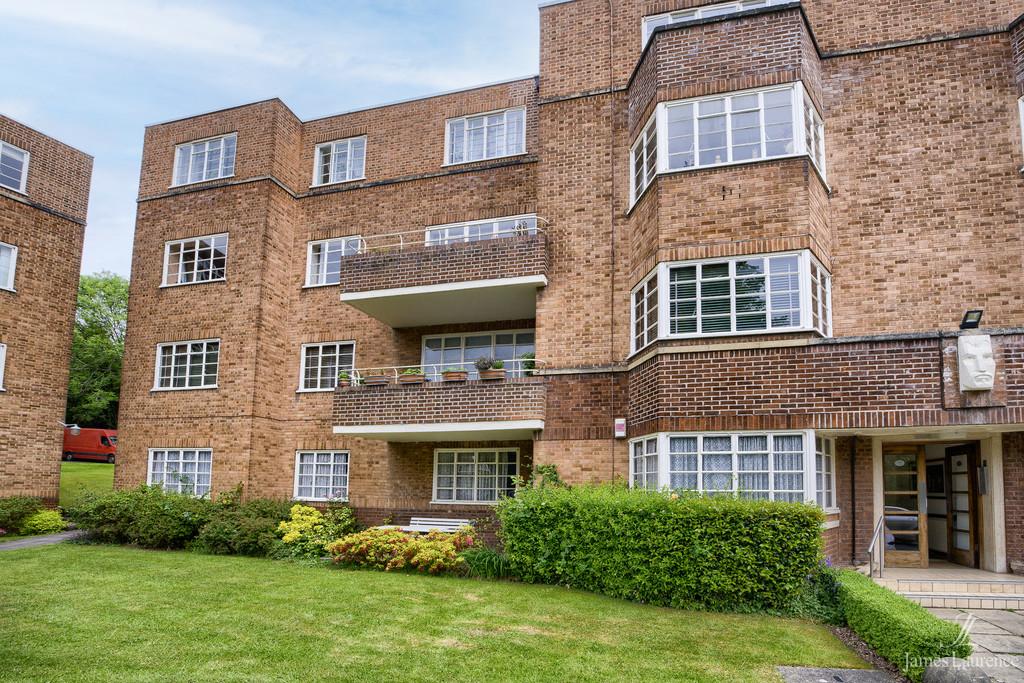 Image 6/15 of property Viceroy Close, Edgbaston, B5 7UR