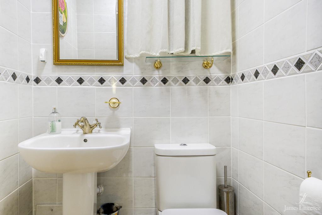 Image 9/15 of property Viceroy Close, Edgbaston, B5 7UR