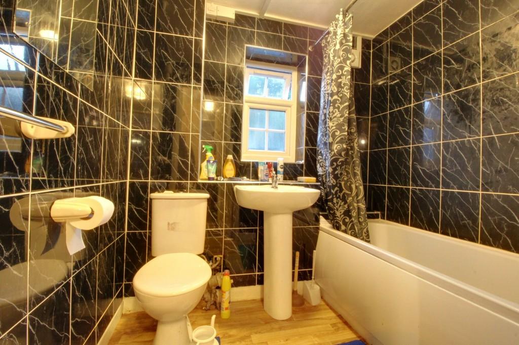 Image 3/7 of property Gilldown Place, Edgbaston, B15 2LR