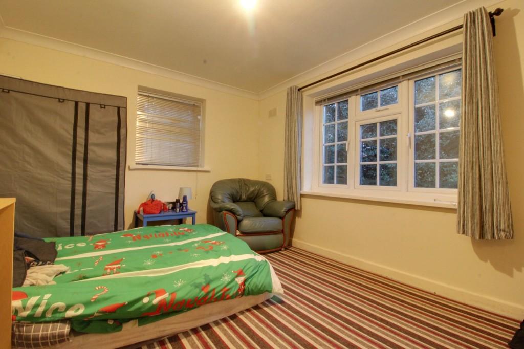 Image 4/7 of property Gilldown Place, Edgbaston, B15 2LR