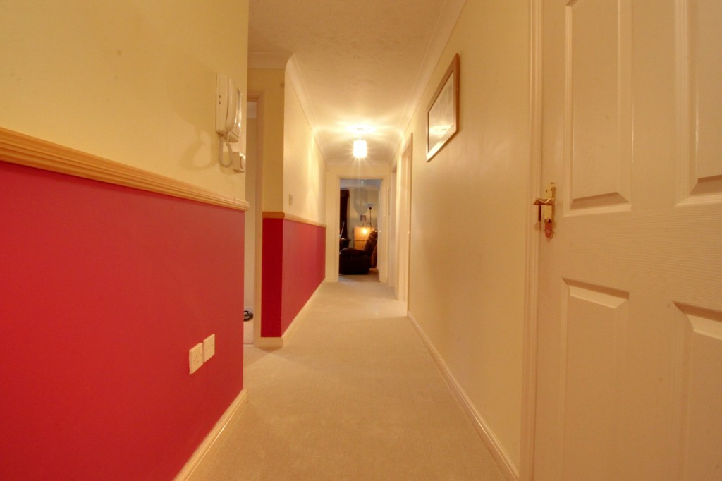 Image 10/13 of property Oakhill Close, Birmingham, B17 8DE