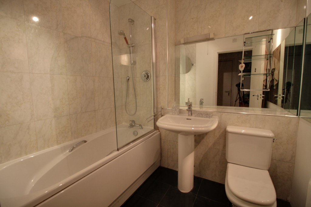 Image 12/13 of property Royal Arch Apartments, Wharfside Street, Birmingham City Centre, B1 1RG