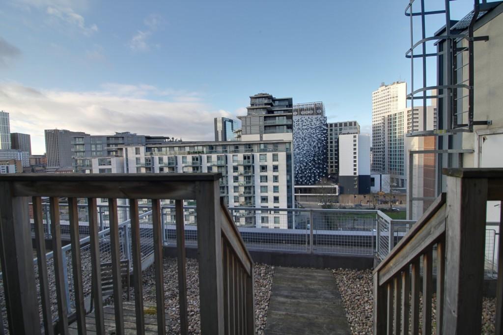 Image 8/13 of property Royal Arch Apartments, Wharfside Street, Birmingham City Centre, B1 1RG