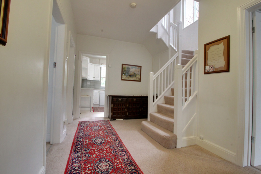 Image 11/15 of property Knightlow Road, Harborne, B17 8PX