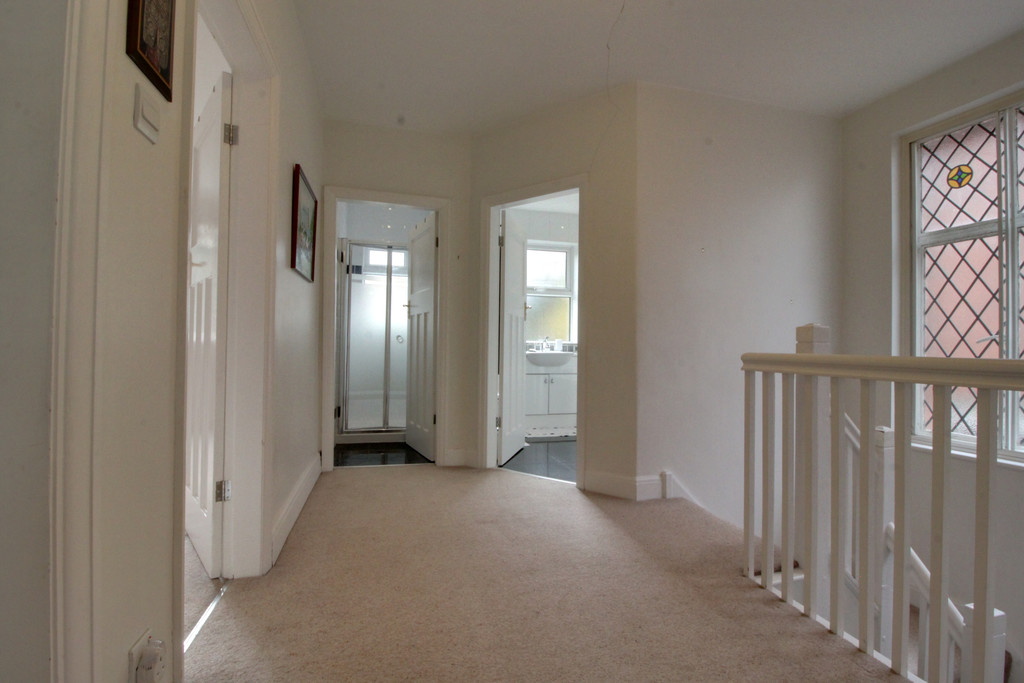 Image 12/15 of property Knightlow Road, Harborne, B17 8PX