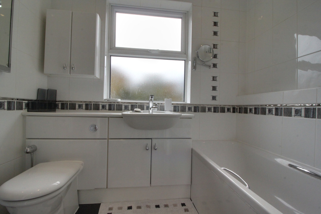 Image 9/15 of property Knightlow Road, Harborne, B17 8PX