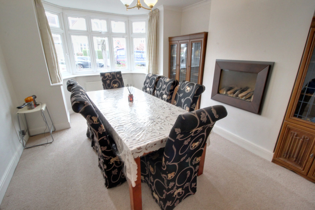 Image 5/15 of property Knightlow Road, Harborne, B17 8PX