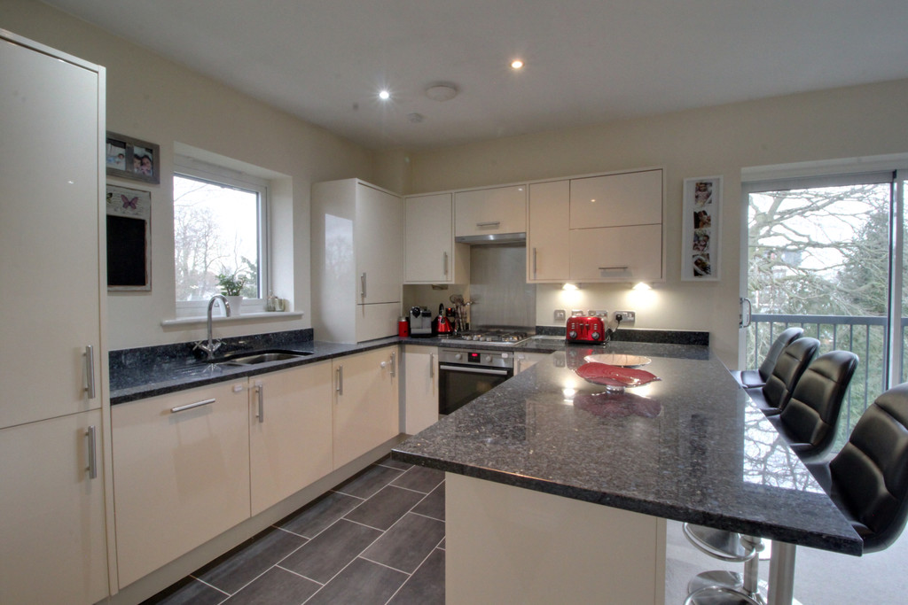 Image 3/10 of property St James Court , 5b Highfield Road