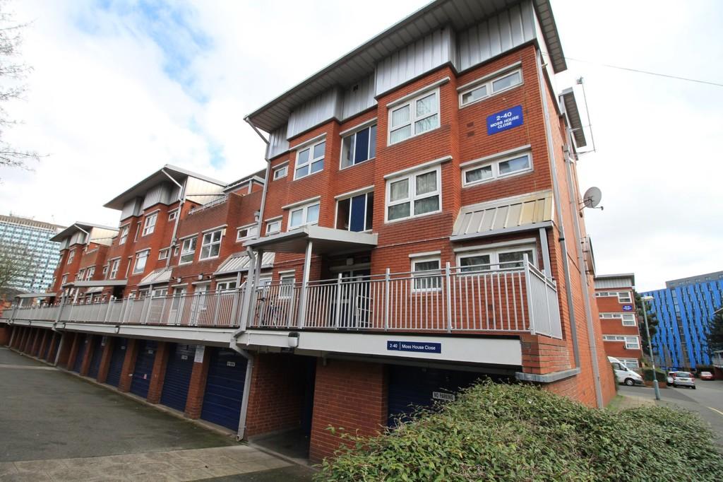 Image 3/11 of property Moss House Close, Birmingham City Centre, B15 1HE