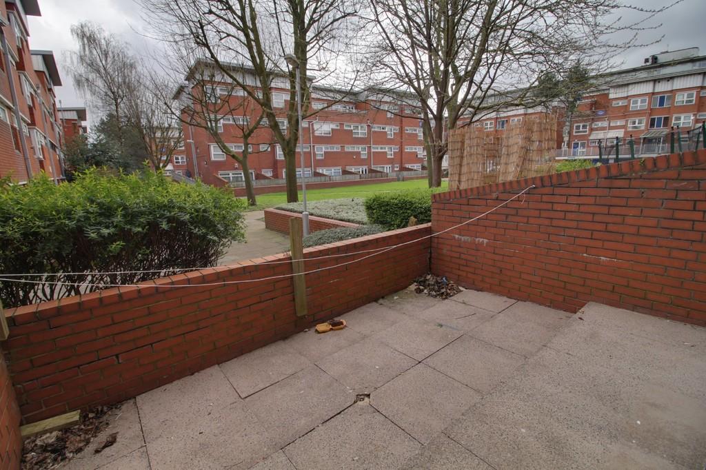 Image 4/11 of property Moss House Close, Birmingham City Centre, B15 1HE